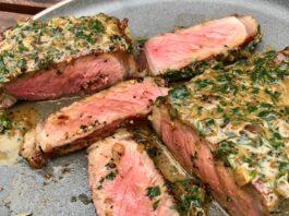 pepper crusted steak with cream sauce